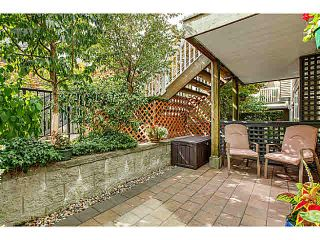 "Photo 11: 15 1073 LYNN VALLEY Road in North Vancouver: Lynn Valley Townhouse for sale in ""RIVER ROCK"" : MLS®# V1108053"