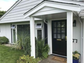 """Photo 2: 1329 COTTONWOOD Place in North Vancouver: Norgate House for sale in """"Norgate"""" : MLS®# R2375770"""