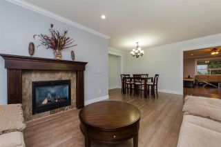 Photo 2: 3134 ENGINEER Court in Abbotsford: Aberdeen House for sale : MLS®# R2311689