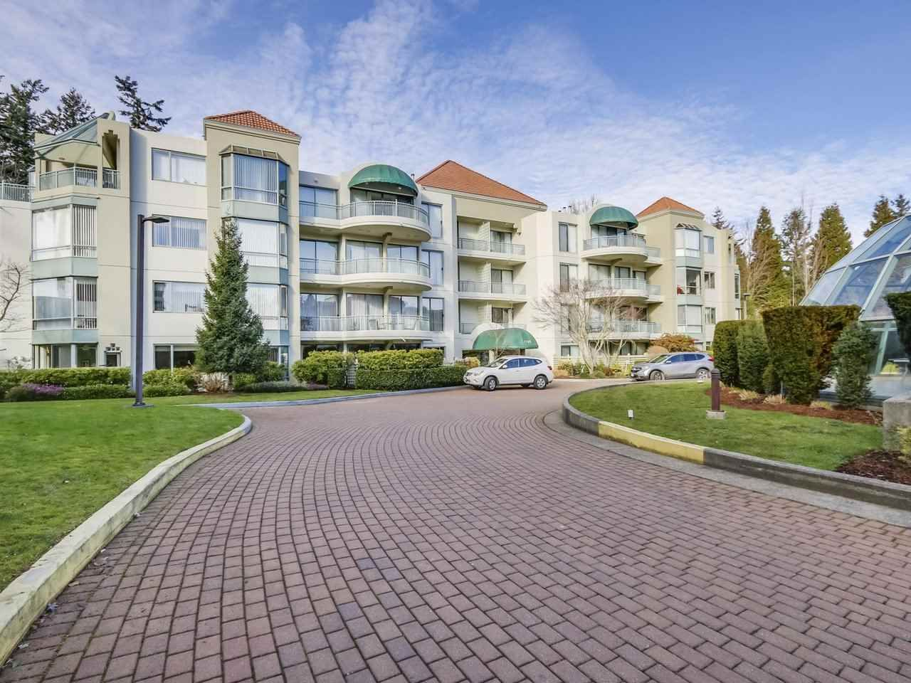 """Main Photo: 202 1745 MARTIN Drive in Surrey: Sunnyside Park Surrey Condo for sale in """"SOUTHWYND"""" (South Surrey White Rock)  : MLS®# R2334563"""