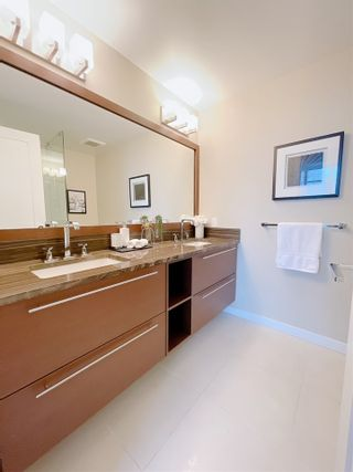 """Photo 13: 1701 6168 WILSON Avenue in Burnaby: Metrotown Condo for sale in """"JEWEL 2"""" (Burnaby South)  : MLS®# R2555926"""