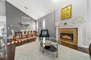 """Photo 4: 14636 76 Avenue in Surrey: East Newton House for sale in """"Chimney Hill"""" : MLS®# R2485483"""