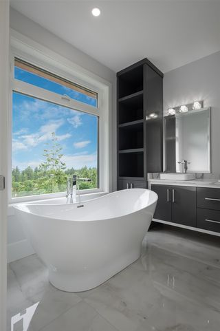 Photo 20: 2204 WINDSAIL PLACE in Squamish: Plateau House for sale : MLS®# R2464154
