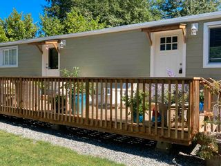 """Photo 3: 177 1413 SUNSHINE COAST Highway in Gibsons: Gibsons & Area Manufactured Home for sale in """"THE POPLARS"""" (Sunshine Coast)  : MLS®# R2604177"""