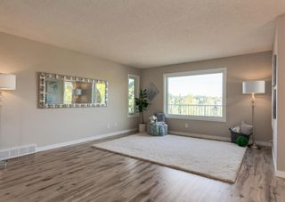 Photo 5: 42 140 Strathaven Circle SW in Calgary: Strathcona Park Semi Detached for sale : MLS®# A1146237
