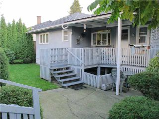 Photo 10: 135 E 8TH Avenue in New Westminster: The Heights NW House for sale : MLS®# V979713