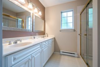"""Photo 14: 11 5950 OAKDALE Road in Burnaby: Oaklands Townhouse for sale in """"Heather Crest"""" (Burnaby South)  : MLS®# R2209640"""