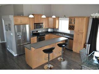 Photo 4: 355 Thode AVENUE in Saskatoon: Willowgrove Single Family Dwelling for sale (Saskatoon Area 01)  : MLS®# 460690