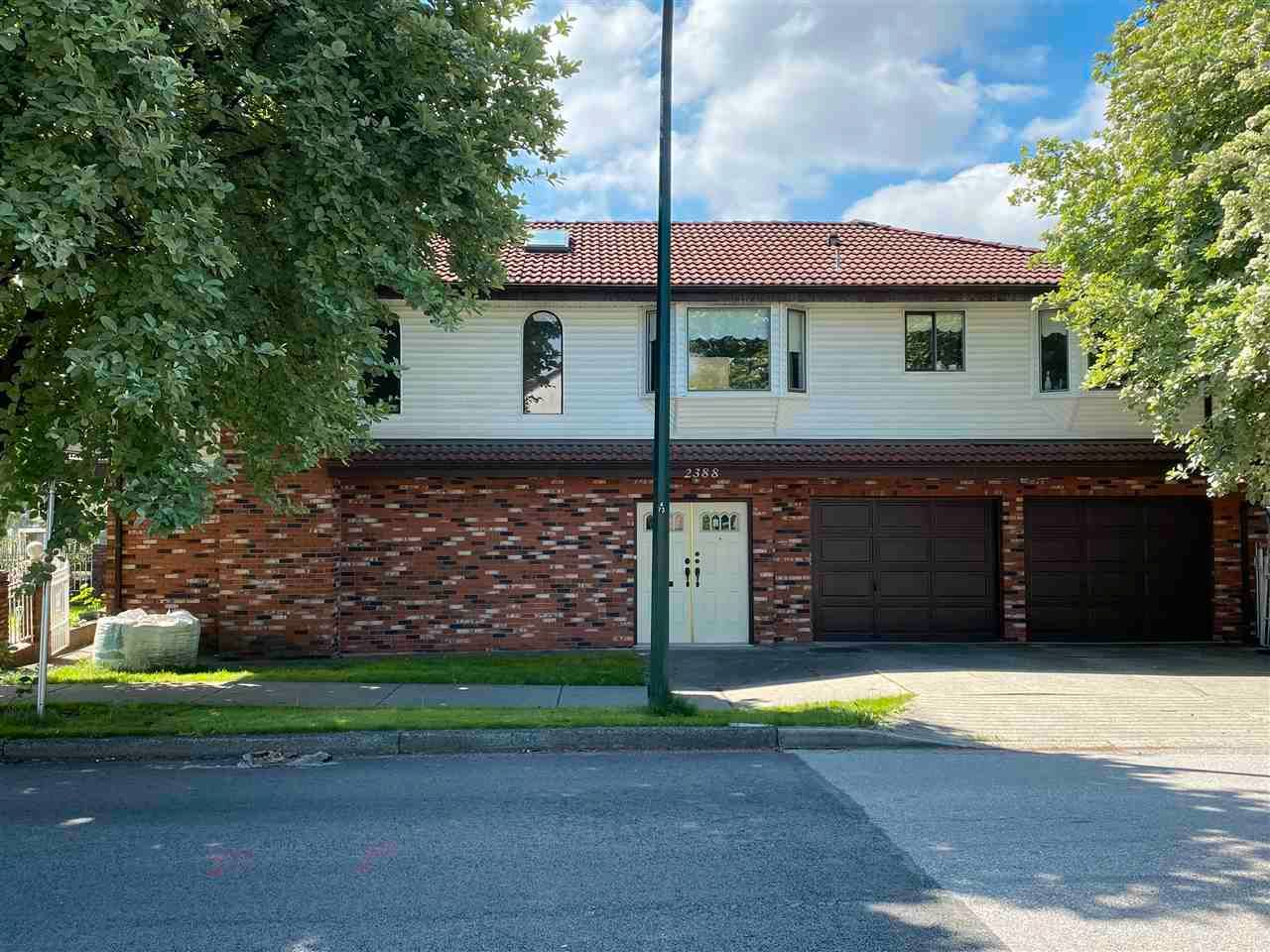 Photo 1: Photos: 2388 ADANAC Street in Vancouver: Hastings House for sale (Vancouver East)  : MLS®# R2574174