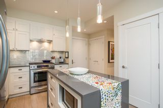 """Photo 7: 415 14855 THRIFT Avenue: White Rock Condo for sale in """"The Royce"""" (South Surrey White Rock)  : MLS®# R2538329"""