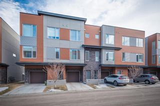 Main Photo: 140 Shawnee Common SW in Calgary: Shawnee Slopes Row/Townhouse for sale : MLS®# A1077024