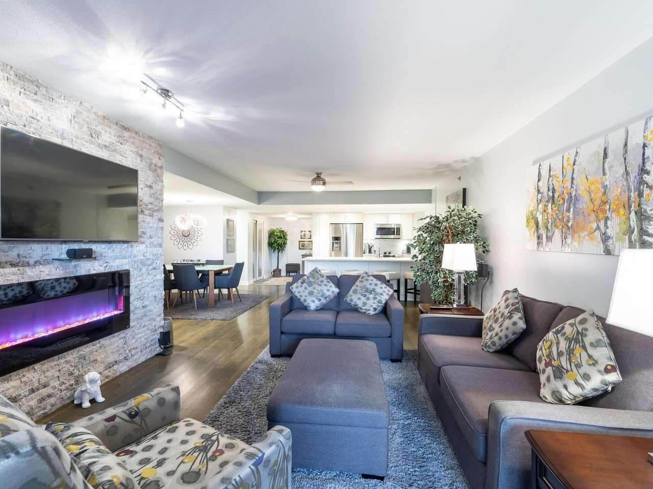 """Main Photo: 211 2665 W BROADWAY in Vancouver: Kitsilano Condo for sale in """"MAGUIRE BUILDING"""" (Vancouver West)  : MLS®# R2550864"""