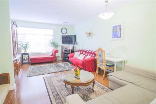 """Photo 5: 12 13393 BARKER Street in Surrey: Queen Mary Park Surrey Townhouse for sale in """"GRAND LANE"""" : MLS®# R2429151"""