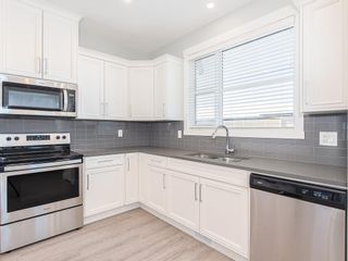Photo 9: 166 SKYVIEW Circle NE in Calgary: Skyview Ranch Row/Townhouse for sale : MLS®# C4277691