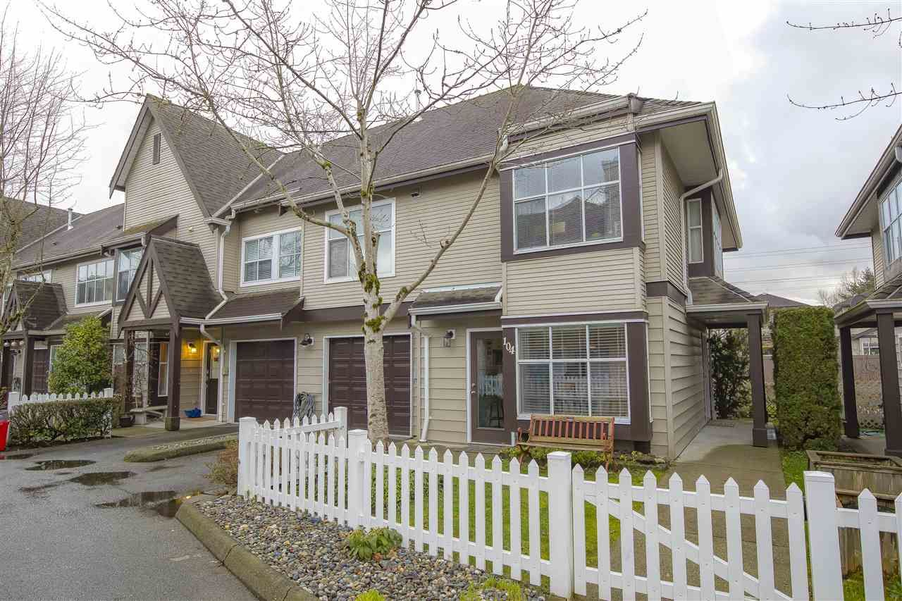 """Main Photo: 104 12099 237 Street in Maple Ridge: East Central Townhouse for sale in """"GABRIOLA"""" : MLS®# R2436710"""
