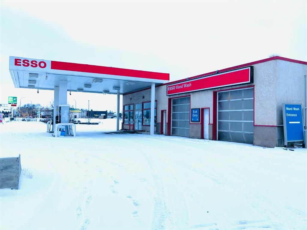 Main Photo: 4550 / 4552 50 Avenue: Lacombe Retail for sale : MLS®# A1067540