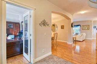 Photo 3: 3 Evercreek Bluffs Road SW in Calgary: Evergreen Detached for sale : MLS®# A1145931