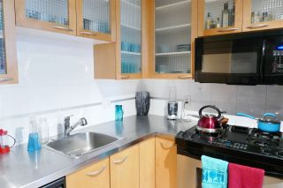 """Photo 5: 407 969 RICHARDS Street in Vancouver: Downtown VW Condo for sale in """"MONDRIAN II"""" (Vancouver West)  : MLS®# R2419984"""