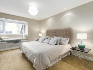 """Photo 14: 2411 W 1ST Avenue in Vancouver: Kitsilano Townhouse for sale in """"Bayside Manor"""" (Vancouver West)  : MLS®# R2191405"""