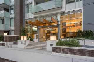 """Photo 3: 612 1661 QUEBEC Street in Vancouver: Mount Pleasant VE Condo for sale in """"Voda At The Creek"""" (Vancouver East)  : MLS®# R2612453"""