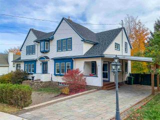 Photo 1: 9 Seaview Avenue in Wolfville: 404-Kings County Residential for sale (Annapolis Valley)  : MLS®# 202022826