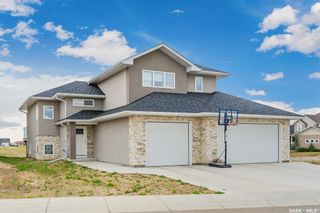Photo 1: 233 Settler Crescent in Warman: Residential for sale : MLS®# SK867678
