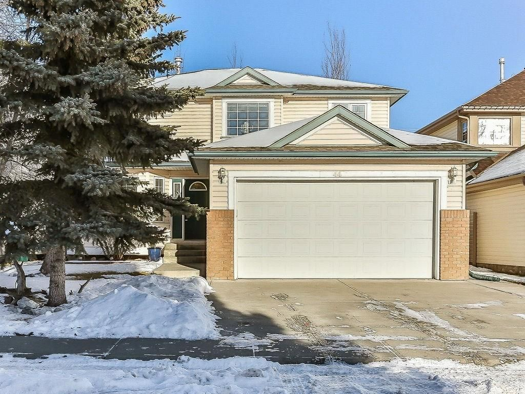 Main Photo: 44 SUNLAKE Circle SE in Calgary: Sundance Detached for sale : MLS®# C4219833