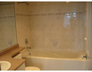 """Photo 7: 1703 6611 SOUTHOAKS Crescent in Burnaby: Middlegate BS Condo for sale in """"GEMINI I"""" (Burnaby South)  : MLS®# V667416"""