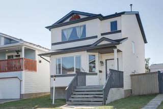 Photo 2: 187 Carmel Close NE in Calgary: Monterey Park Detached for sale : MLS®# A1138813