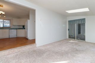 Photo 6: 26 7401 Central Saanich Rd in : CS Hawthorne Manufactured Home for sale (Central Saanich)  : MLS®# 867488