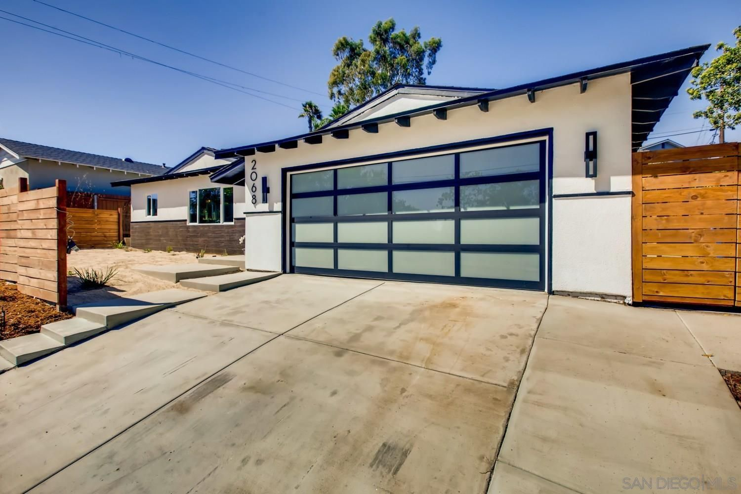 Main Photo: PACIFIC BEACH House for sale : 3 bedrooms : 2068 BERYL STREET in SAN DIEGO