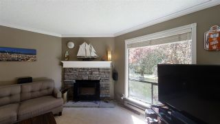 """Photo 7: 10573 HOLLY PARK Lane in Surrey: Guildford Townhouse for sale in """"Holly Park Lane"""" (North Surrey)  : MLS®# R2461825"""