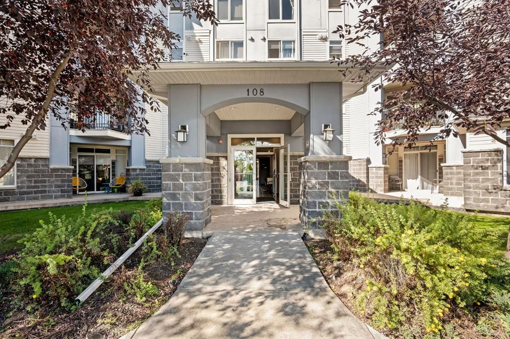 Main Photo: 302 108 Country Village Circle NE in Calgary: Country Hills Village Apartment for sale : MLS®# A1148775