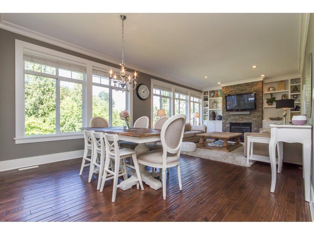 Photo 5: Photos: 4354 BLAUSON Boulevard in Abbotsford: Abbotsford East House for sale : MLS®# R2096025