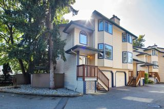 """Photo 1: 18 2525 SHAFTSBURY Place in Port Coquitlam: Woodland Acres PQ Townhouse for sale in """"SHAFTSBURY PLACE"""" : MLS®# R2618959"""