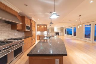 Photo 11: 3380 MATHERS Avenue in West Vancouver: Westmount WV House for sale : MLS®# R2603686