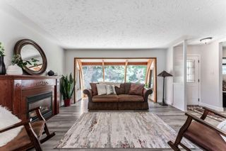 Photo 8: 21 WHITE OAK Crescent SW in Calgary: Wildwood Detached for sale : MLS®# A1026011