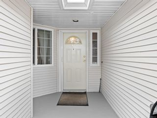 Photo 2: 2 1905 Willemar Ave in : CV Courtenay City Row/Townhouse for sale (Comox Valley)  : MLS®# 870863