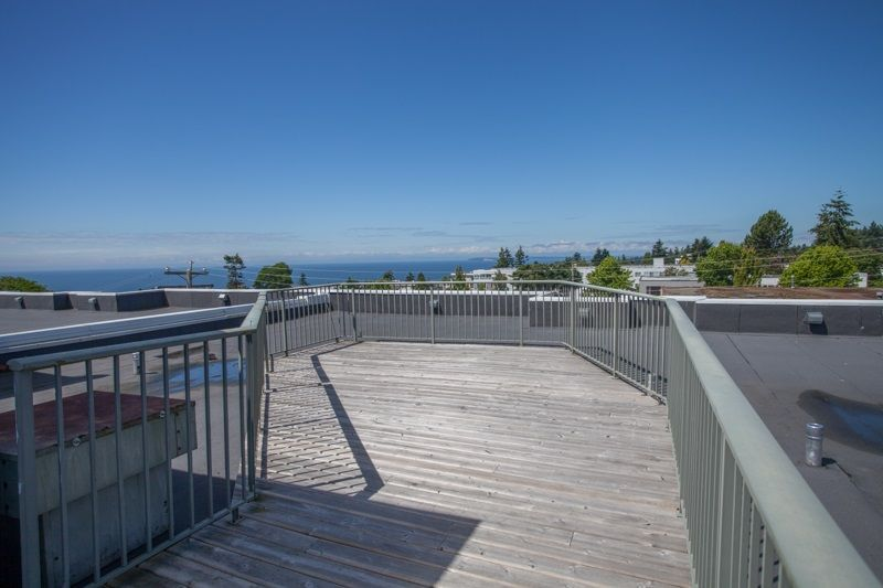 """Photo 15: Photos: 305 1341 GEORGE Street: White Rock Condo for sale in """"OCEANVIEW"""" (South Surrey White Rock)  : MLS®# R2215870"""