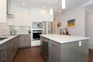 """Photo 8: 7 1338 FOSTER Street: White Rock Townhouse for sale in """"EARLS COURT"""" (South Surrey White Rock)  : MLS®# R2051150"""
