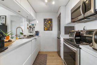 """Photo 9: 2208 438 SEYMOUR Street in Vancouver: Downtown VW Condo for sale in """"Conference Plaza"""" (Vancouver West)  : MLS®# R2610760"""