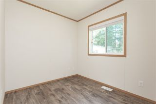 """Photo 13: 34 20071 24 Avenue in Langley: Brookswood Langley Manufactured Home for sale in """"Fernridge Park"""" : MLS®# R2484697"""