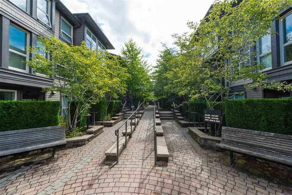 """Photo 19: Photos: 9 307 E 15TH Street in North Vancouver: Central Lonsdale Townhouse for sale in """"AVONDALE"""" : MLS®# R2477092"""