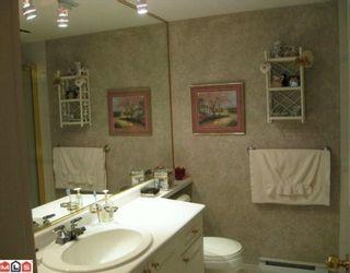 Photo 3: 203 15558 16A Avenue in Surrey: King George Corridor Condo for sale (South Surrey White Rock)  : MLS®# F1002955