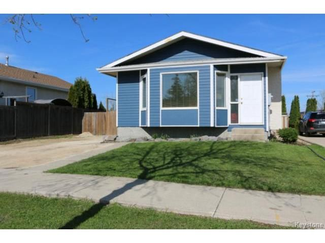 Main Photo: 10 Bellemer Drive in WINNIPEG: Fort Garry / Whyte Ridge / St Norbert Residential for sale (South Winnipeg)  : MLS®# 1513193