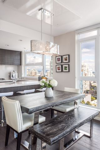 """Photo 7: 2107 1351 CONTINENTAL Street in Vancouver: Downtown VW Condo for sale in """"MADDOX"""" (Vancouver West)  : MLS®# V1135882"""