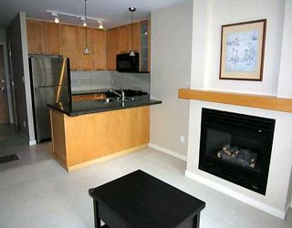 """Photo 4: 903 989 RICHARDS ST in Vancouver: Downtown VW Condo for sale in """"MONDRIAN"""" (Vancouver West)  : MLS®# V585826"""