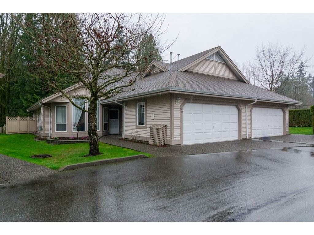 Main Photo: 69 9025 216 STREET in : Walnut Grove Townhouse for sale : MLS®# R2150562