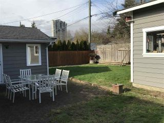 Photo 3: 1592 SOWDEN Street in North Vancouver: Norgate House for sale : MLS®# R2240979