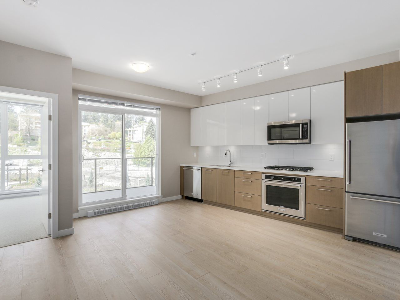 Main Photo: 321 22 E ROYAL AVENUE in New Westminster: Fraserview NW Condo for sale : MLS®# R2054011